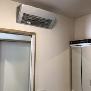 脱衣室 暖房器具 ウォールヒート コロナ
